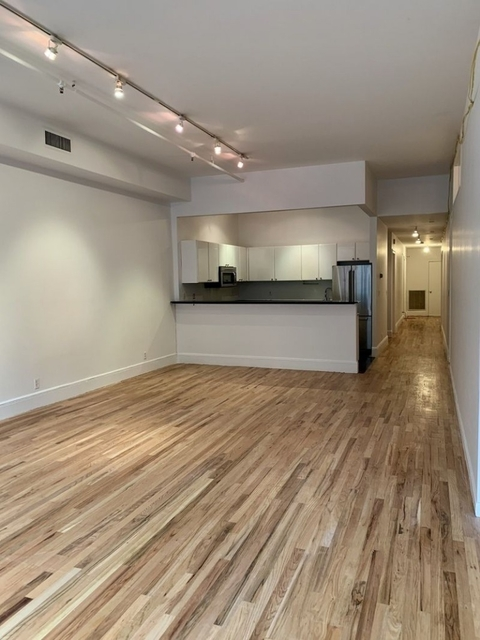 3 Bedrooms, Tribeca Rental in NYC for $7,895 - Photo 2