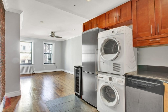 3 Bedrooms, East Village Rental in NYC for $3,985 - Photo 2