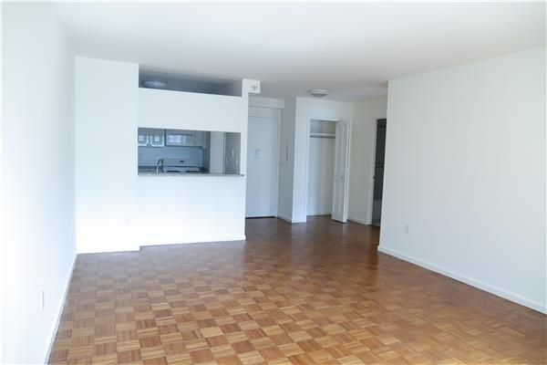 1 Bedroom, Mapleton Rental in NYC for $3,400 - Photo 2