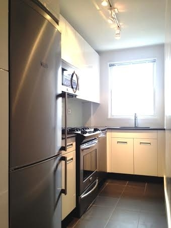 2 Bedrooms, Kips Bay Rental in NYC for $3,300 - Photo 2