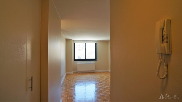 2 Bedrooms, Upper East Side Rental in NYC for $3,865 - Photo 2