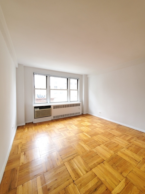 Loft, Yorkville Rental in NYC for $2,250 - Photo 2