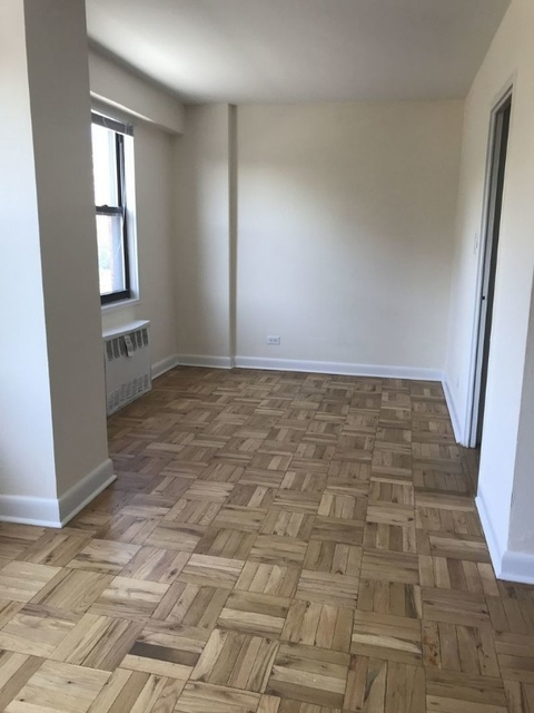 2 Bedrooms, Rego Park Rental in NYC for $2,475 - Photo 2