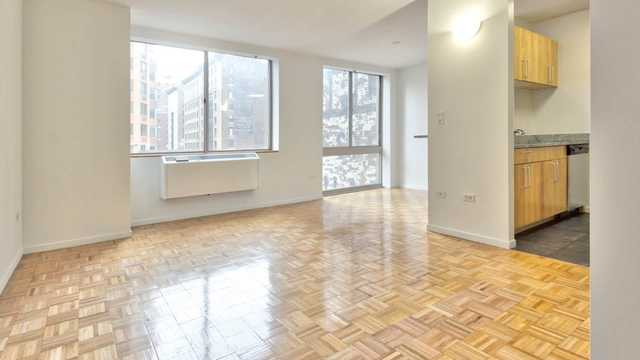 3 Bedrooms, Hell's Kitchen Rental in NYC for $4,800 - Photo 1