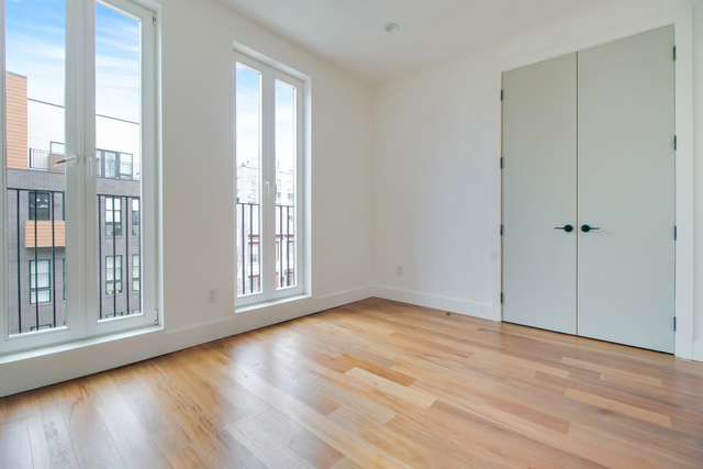 1 Bedroom, Greenpoint Rental in NYC for $3,038 - Photo 2