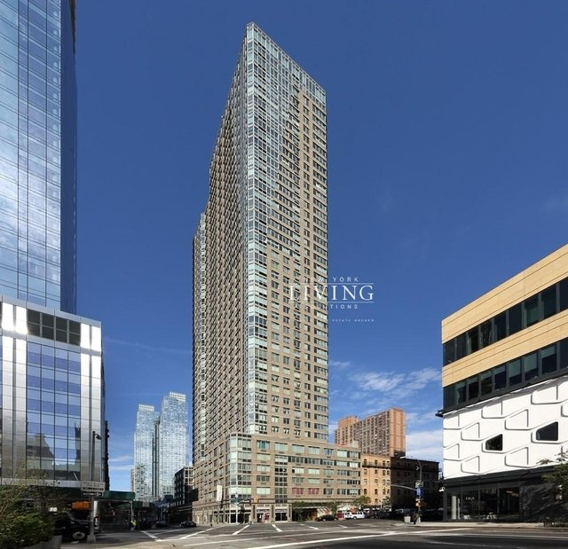 at Tenth Avenue - Photo 1
