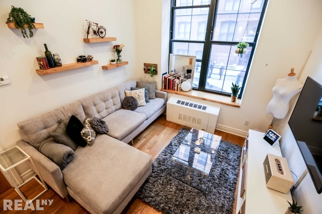 2 Bedrooms, DUMBO Rental in NYC for $5,375 - Photo 1