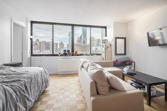 Studio, Lincoln Square Rental in NYC for $2,765 - Photo 2