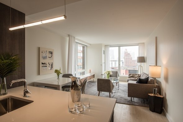 Studio, Hell's Kitchen Rental in NYC for $3,595 - Photo 2