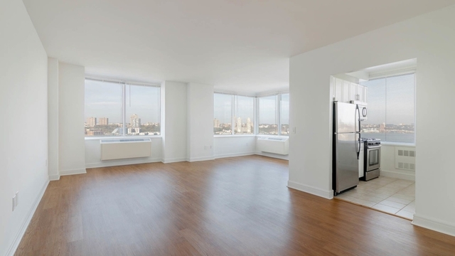 3 Bedrooms, Lincoln Square Rental in NYC for $10,950 - Photo 1