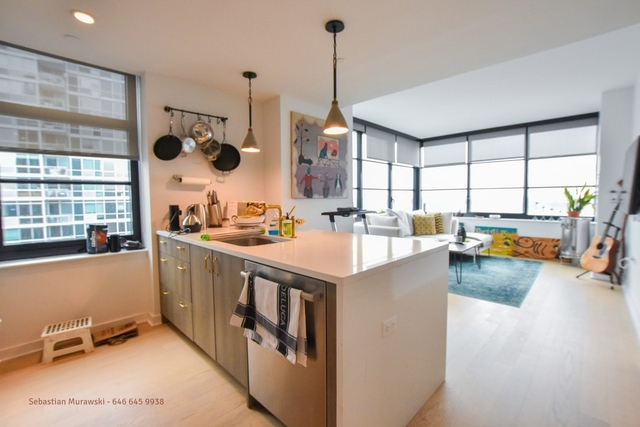 1 Bedroom, Hell's Kitchen Rental in NYC for $4,355 - Photo 2