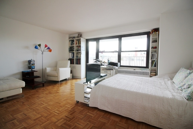 Studio, Upper West Side Rental in NYC for $2,442 - Photo 1