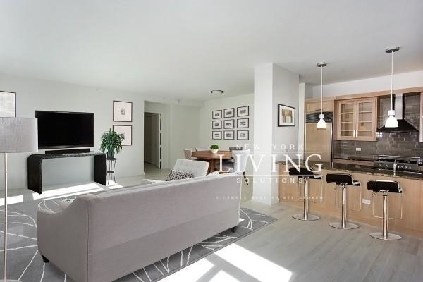 2 Bedrooms, SoHo Rental in NYC for $13,250 - Photo 2