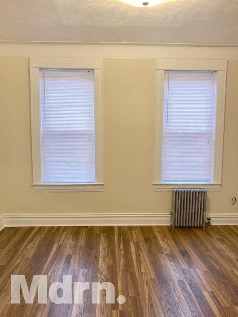3 Bedrooms, Ridgewood Rental in NYC for $2,050 - Photo 2