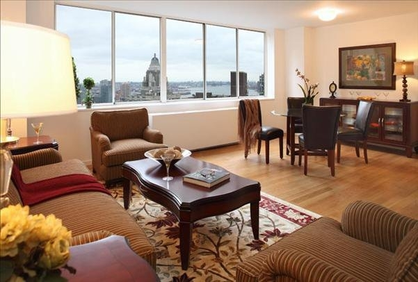 3 Bedrooms, Sutton Place Rental in NYC for $12,260 - Photo 1