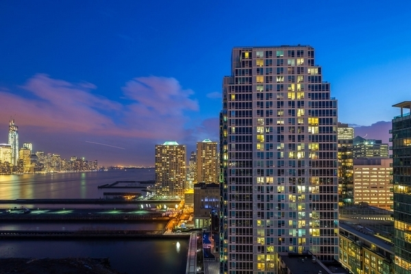 2 Bedrooms, Newport Rental in NYC for $4,385 - Photo 2