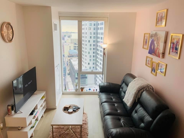1 Bedroom, Long Island City Rental in NYC for $3,105 - Photo 2
