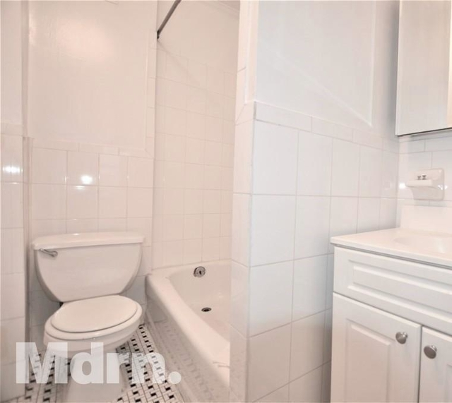 1 Bedroom, Murray Hill Rental in NYC for $2,575 - Photo 2