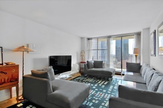 2 Bedrooms, Upper East Side Rental in NYC for $4,760 - Photo 1
