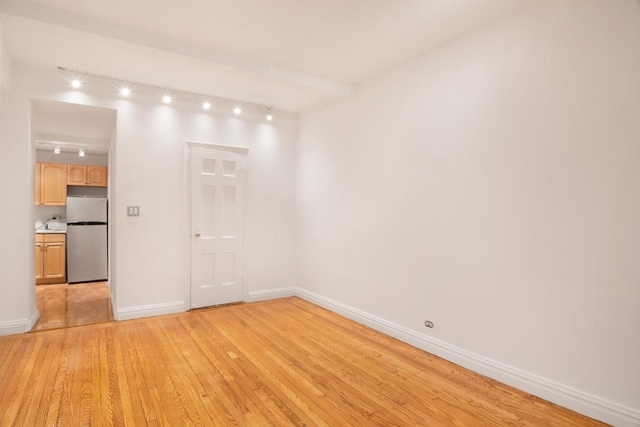 Studio, Civic Center Rental in NYC for $3,000 - Photo 2