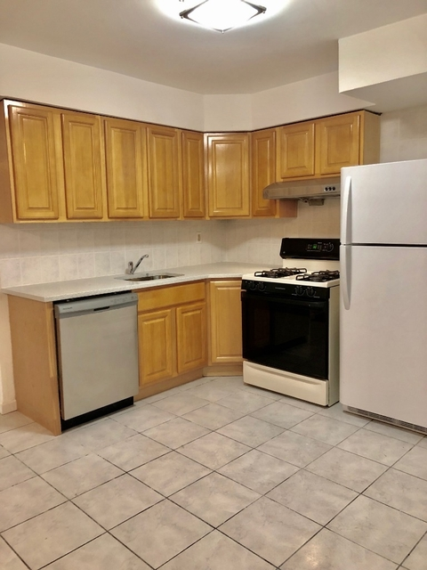 4 Bedrooms, Jackson Heights Rental in NYC for $2,900 - Photo 1
