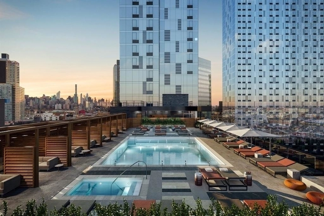 1 Bedroom, Hunters Point Rental in NYC for $3,000 - Photo 1