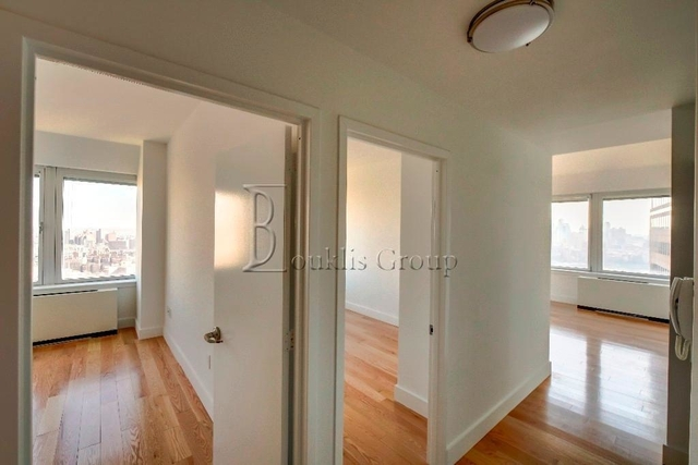3 Bedrooms, Financial District Rental in NYC for $4,125 - Photo 2
