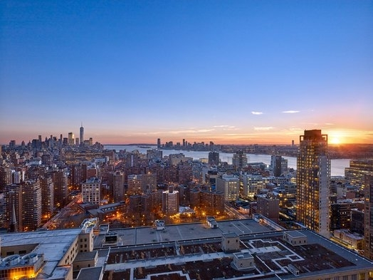 3 Bedrooms, Chelsea Rental in NYC for $12,475 - Photo 2