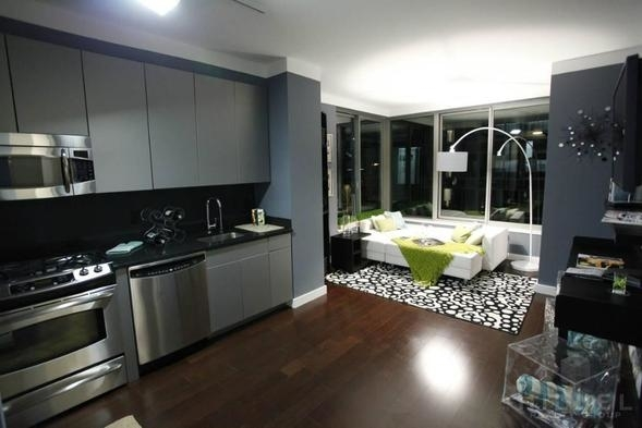 2 Bedrooms, Tribeca Rental in NYC for $5,595 - Photo 2