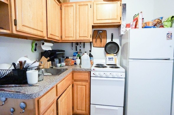2 Bedrooms, East Village Rental in NYC for $2,490 - Photo 2