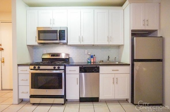 1 Bedroom, Alphabet City Rental in NYC for $3,290 - Photo 2
