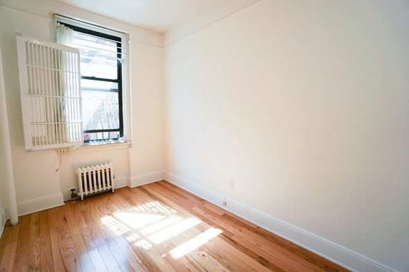 Studio, East Village Rental in NYC for $1,100 - Photo 1