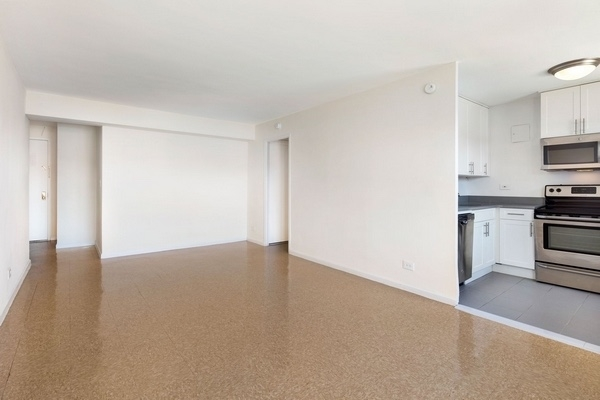 Studio, South Corona Rental in NYC for $1,595 - Photo 2