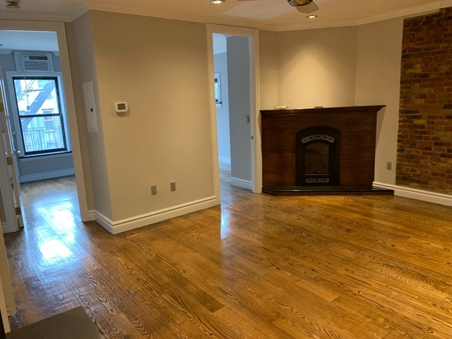 3 Bedrooms, East Village Rental in NYC for $6,032 - Photo 1