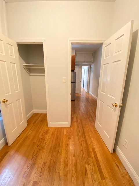 2 Bedrooms, SoHo Rental in NYC for $2,300 - Photo 2
