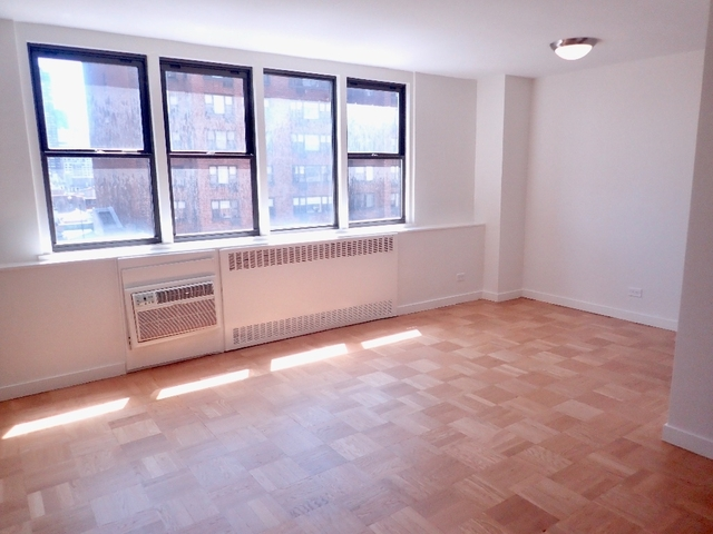 3 Bedrooms, Yorkville Rental in NYC for $8,101 - Photo 2