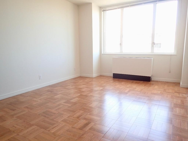 1 Bedroom, Yorkville Rental in NYC for $3,701 - Photo 2