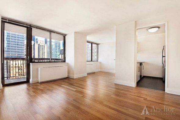 2 Bedrooms, Theater District Rental in NYC for $5,351 - Photo 2