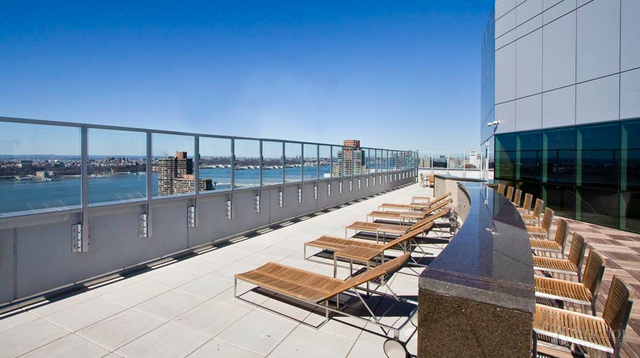 2 Bedrooms, Hell's Kitchen Rental in NYC for $4,844 - Photo 1