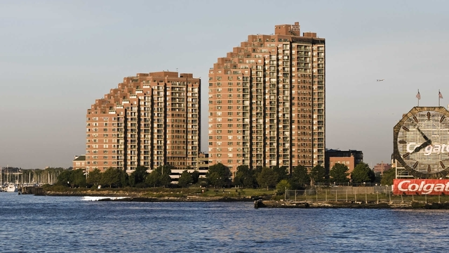1 Bedroom, The Waterfront Rental in NYC for $2,605 - Photo 1