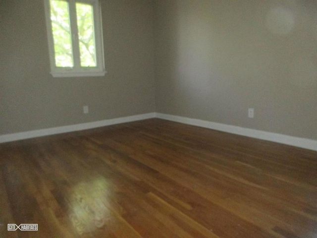 3 Bedrooms, Flatlands Rental in NYC for $2,600 - Photo 2