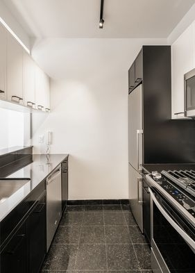 1 Bedroom, Financial District Rental in NYC for $3,400 - Photo 2