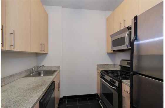 1 Bedroom, Financial District Rental in NYC for $3,257 - Photo 2