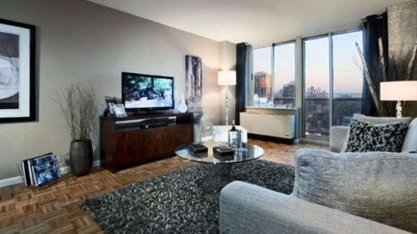 2 Bedrooms, Hell's Kitchen Rental in NYC for $5,345 - Photo 1