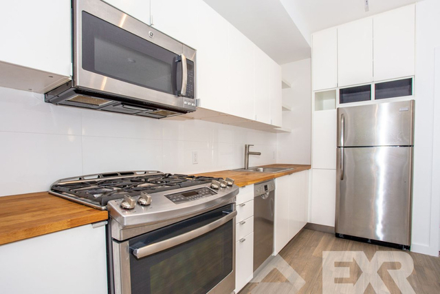 2 Bedrooms, Crown Heights Rental in NYC for $2,999 - Photo 2