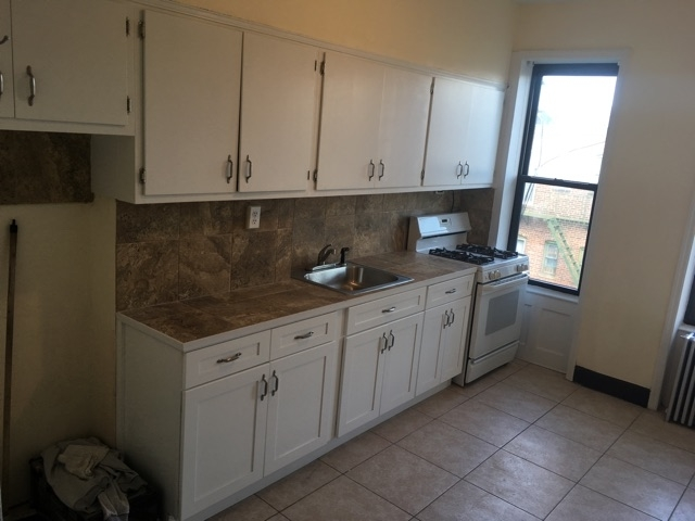 2 Bedrooms, Glendale Rental in NYC for $1,800 - Photo 2