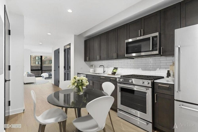 Studio, Lincoln Square Rental in NYC for $3,124 - Photo 2