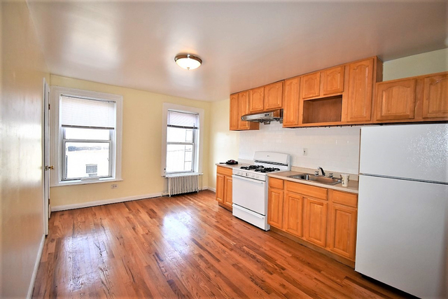 3 Bedrooms, Carroll Gardens Rental in NYC for $2,900 - Photo 1