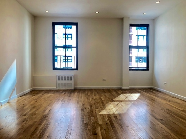 2 Bedrooms, Civic Center Rental in NYC for $3,070 - Photo 1