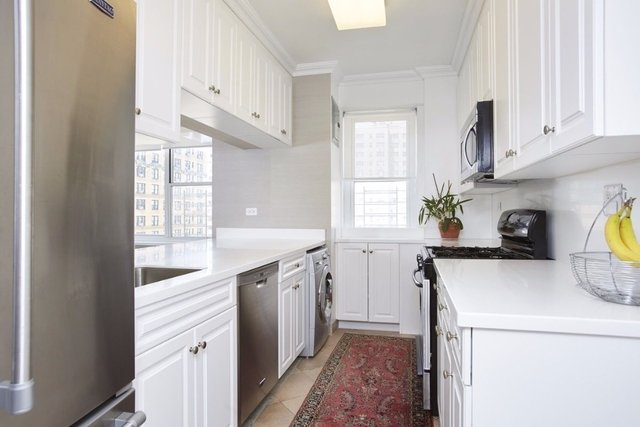 3 Bedrooms, Upper East Side Rental in NYC for $10,000 - Photo 2